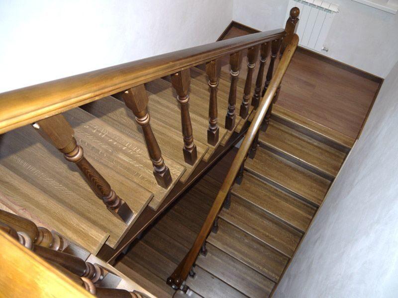 Как сделать площадку на лестнице